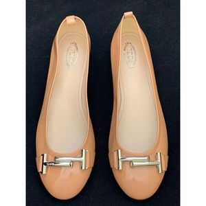 TODS peach patent leather ballet silver t bar flat